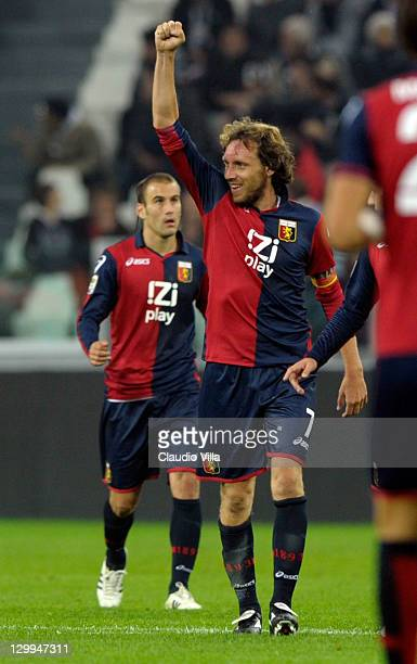 Marco Rossi of Genoa CFC celebrates after scoring the 11 equaliser during the Serie A match between Juventus FC and Genoa CFC on October 22 2011 in...