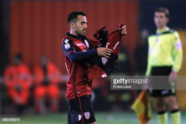 Marco Sau of Caglairi celebrates the goal during the Serie A match between Cagliari Calcio and US Sassuolo at Stadio Sant'Elia on December 22 2016 in...