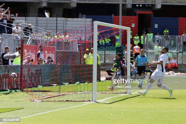 Marco Sau of Cagliari scores the goal 10 during the Serie A match between Cagliari Calcio and Empoli FC at Stadio Sant'Elia on May 14 2017 in...