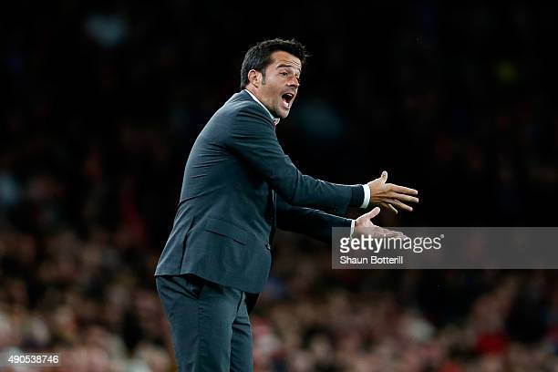 Marco Silva coach of Olympiacos gives instructions during the UEFA Champions League Group F match between Arsenal FC and Olympiacos FC at the...