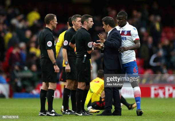 Marco Silva Manager of Watford argues with referee Michael Oliver after the Premier League match between Watford and Stoke City at Vicarage Road on...