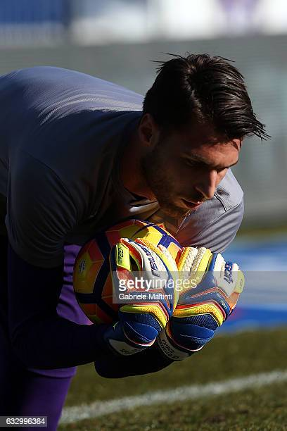 Marco Sportiello of ACF Fiorentina warms up before the Serie A match between ACF Fiorentina and Genoa CFC at Stadio Artemio Franchi on January 29...