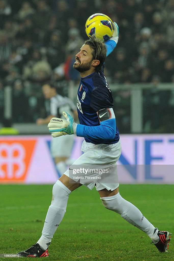 Marco Storari of Juventus FC throws the ball during the TIM cup match between Juventus FC and AC Milan at Juventus Arena on January 9, 2013 in Turin, Italy.