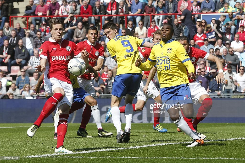 , Marco van Ginkel of PSV, Darryl Lachman of SC Cambuur, Calvin Mac-Intosch of SC Cambuur during the Dutch Eredivisie match between PSV Eindhoven and SC Cambuur Leeuwarden at the Phillips stadium on May 01, 2016 in Eindhoven, The Netherlands