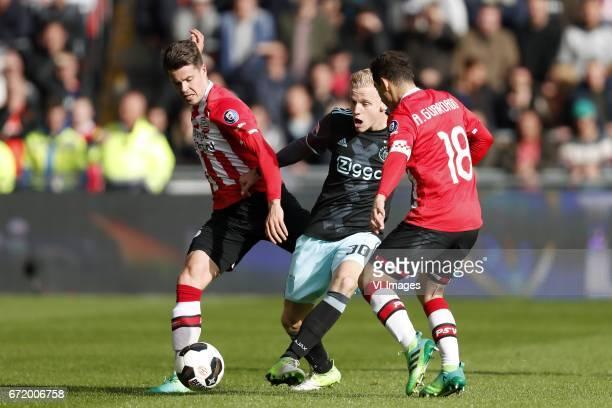 Marco van Ginkel of PSV Donny van de Beek of Ajax Andres Guardado of PSVduring the Dutch Eredivisie match between PSV Eindhoven and Ajax Amsterdam at...
