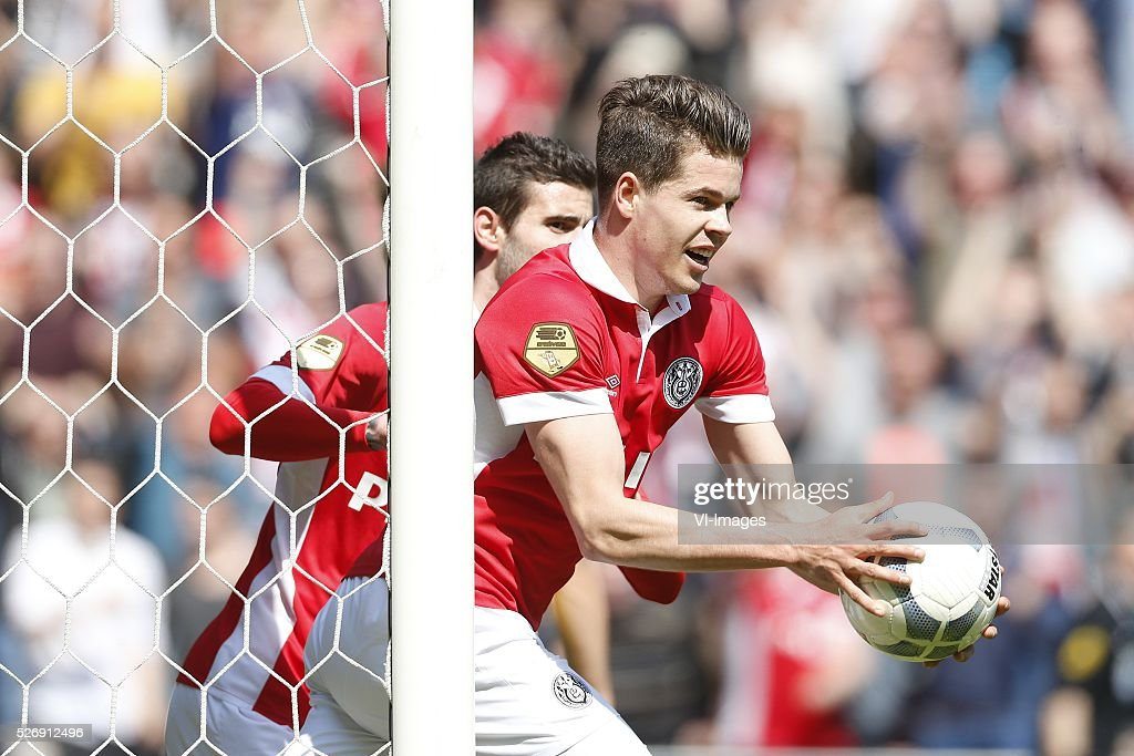 Marco van Ginkel of PSV during the Dutch Eredivisie match between PSV Eindhoven and SC Cambuur Leeuwarden at the Phillips stadium on May 01, 2016 in Eindhoven, The Netherlands