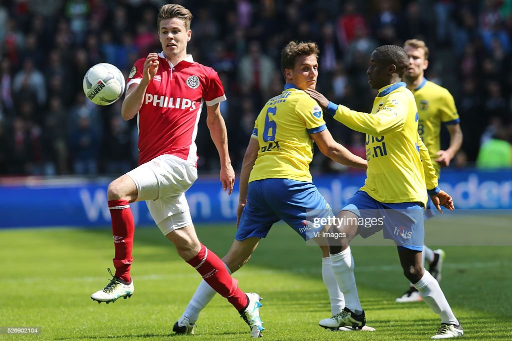 Marco van Ginkel of PSV, Erik Bakker of SC Cambuur, Jamiro Monteiro of SC Cambuur during the Dutch Eredivisie match between PSV Eindhoven and SC Cambuur Leeuwarden at the Phillips stadium on May 01, 2016 in Eindhoven, The Netherlands