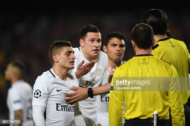 Marco Verratti and Julian Draxler of PSG appeal as Barcelona are awarded a penalty during the UEFA Champions League Round of 16 second leg match...