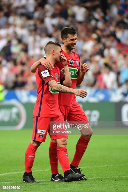 Marco Verratti and Thiago Motta of PSG celebrate winning the National Cup Final match between Angers SCO and Paris Saint Germain PSG at Stade de...