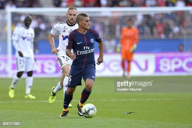 Marco Verratti of Paris SaintGermain runs with the ball during the Ligue 1 match between Paris SaintGermain and Amiens at Parc des Princes on August...