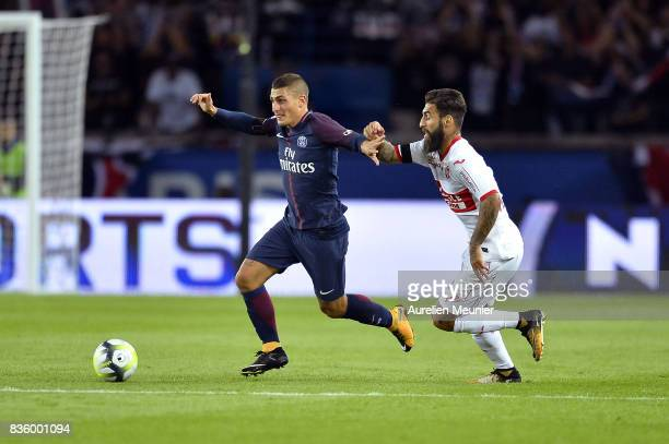 Marco Verratti of Paris SaintGermain runs with the ball during the Ligue 1 match between Paris SaintGermain and Toulouse at Parc des Princes on...