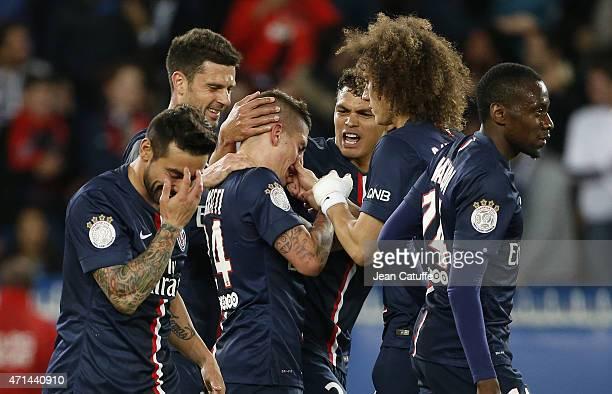 Marco Verratti of PSG celebrates his goal with Thiago Silva David Luiz pinching his nose Ezequiel Lavezzi and Thiago Motta Blaise Matuidi of PSG...