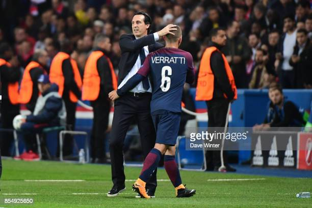 Marco Verratti of PSG is substituted by PSG coach Unai Emery during the Uefa Champions League match between Paris Saint Germain and FC Bayern Munich...