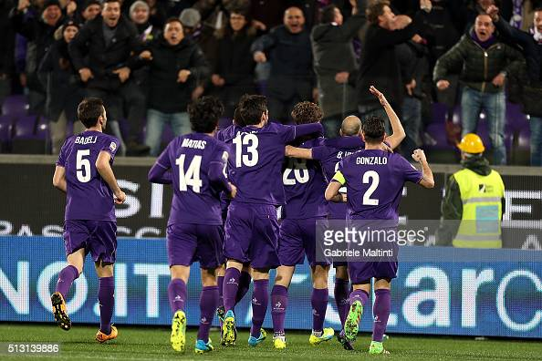 Marcos Alonso of ACF Fiorentina celebrates after scoring a goal during the Serie A match between ACF Fiorentina and SSC Napoli at Stadio Artemio...