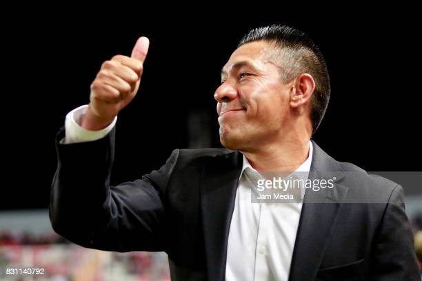 Marcos Ambriz coach of Necaxa gives a thumb up during the 4th round match between Necaxa and Leon as part of the Torneo Apertura 2017 Liga MX at...