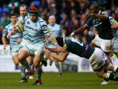 Marcos Ayerza of Leicester Tigers holds off Bryn Evans of London Irish during the Aviva Premiership match between London Irish and Leicester Tigers...