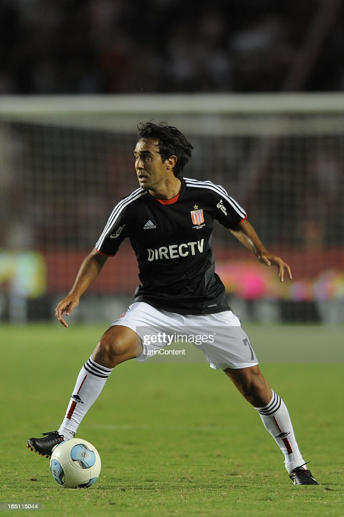 Marcos Gelabert of Estudiantes de La Plata during a match between Estudiantes and Racing as part of the 7th round of the Torneo Final 2013 at Ciudad de La Plata stadium on March 30, 2013 in La Plata, Argentina.