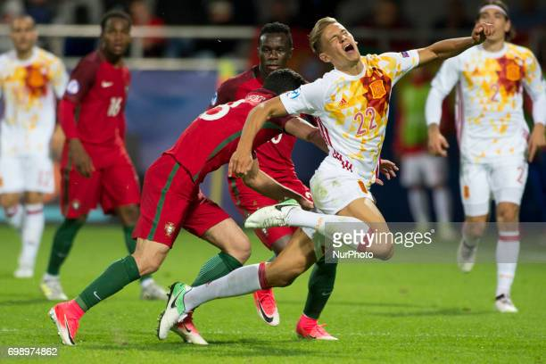 Marcos Llorente of Spain fouled by Goncalo Guedes of Portugal during the UEFA European Under21 Championship 2017 Group B match between Portugal and...