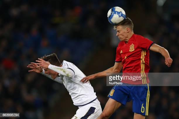 Marcos Llorente of Spain U21 compete for the ball with Andrea Favilli of Italy U21 during the International Friendly Under 21 Italia v Spagna at...