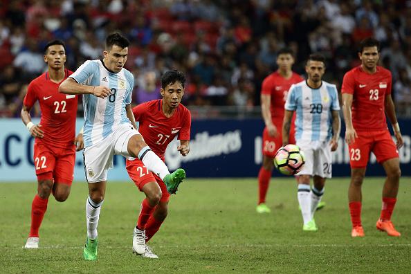 Argentina v Singapore : News Photo