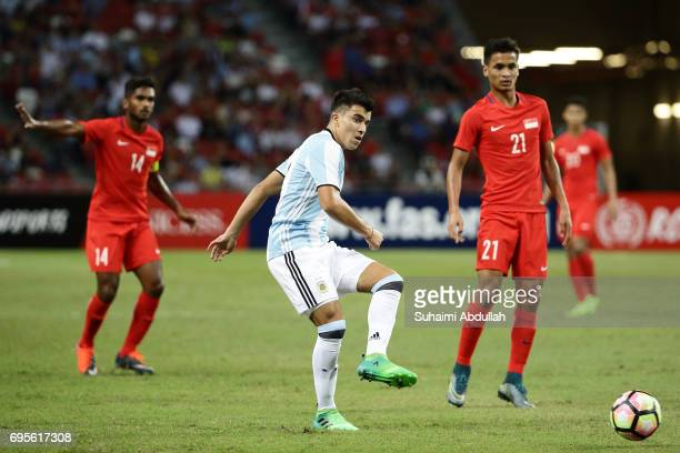 Marcus Arcuna of Argentina makes a pass during the International Test match between Argentina and Singapore at National Stadium on June 13 2017 in...
