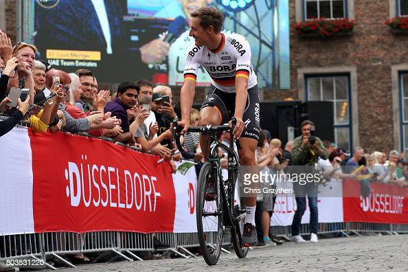 http://media.gettyimages.com/photos/marcus-burghardt-of-germany-and-borahansgrohe-rides-during-the-team-picture-id803531220?s=594x594