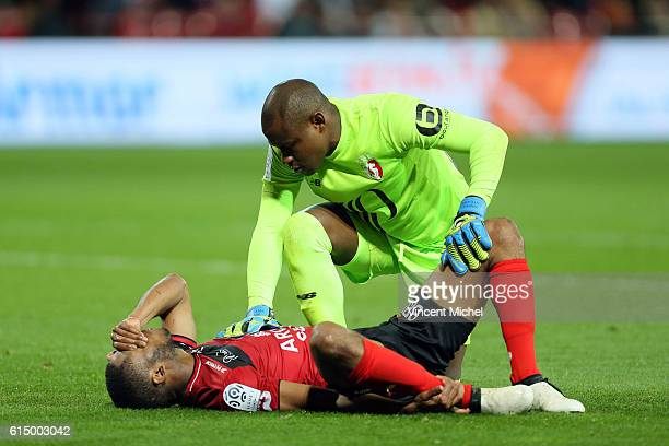 Marcus Coco of Guingamp and Vincent Enyeama of Lille during the Ligue 1 match between EA Guingamp and Lille OCS at Stade du Roudourou on October 15...