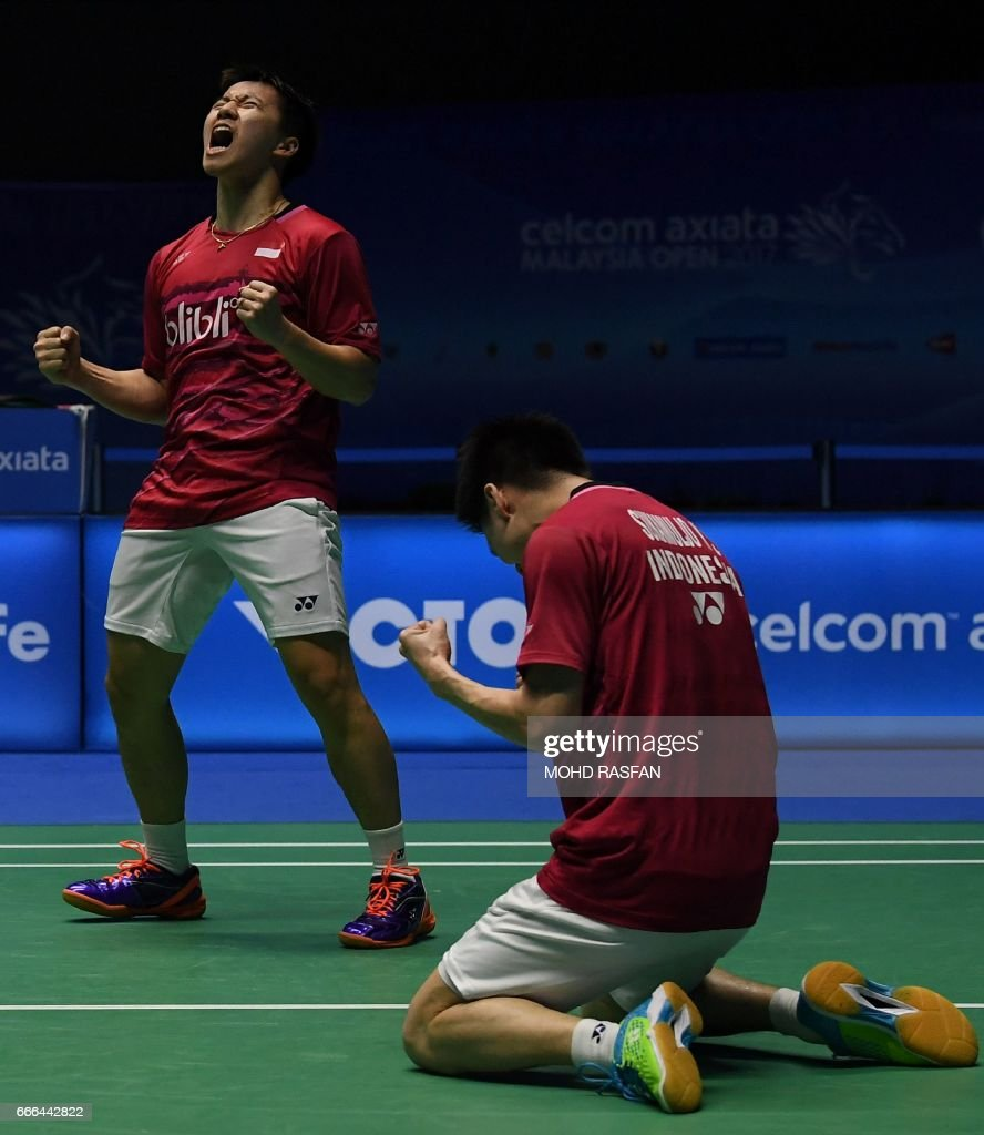 Marcus Fernaldi Gideon L and Kevin Sanjaya Sukamuljo R of