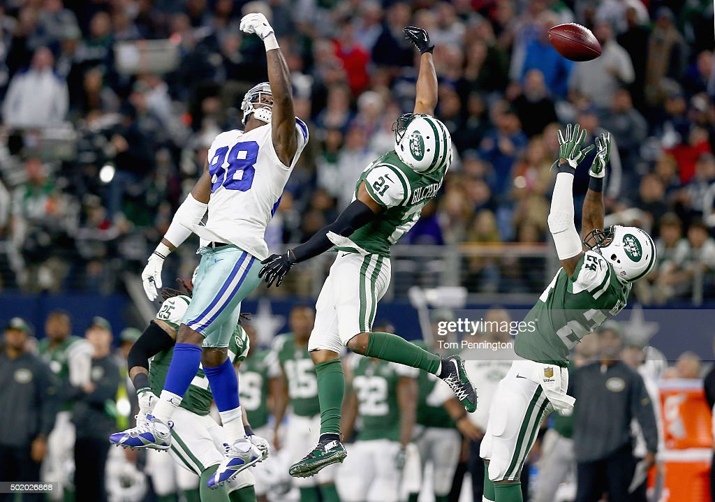 Marcus Gilchrist #21 of the New York Jets breaks up a pass intended for Dez Bryant #88 of the Dallas Cowboys in the fourth quarter at AT&T Stadium on December 19, 2015 in Arlington, Texas.