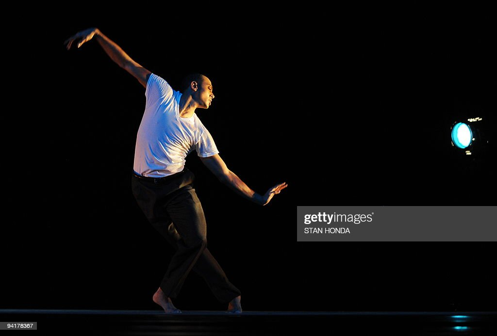 Marcus Jarrell Willis of the Alvin Ailey American Dance Theater during dress rehearsal of 'Uptown', chorographed by Matthew Rushing, December 9, 2009 in New York. The performance highlights key events of the Harlem Renaissance era in the 1920's. AFP PHOTO/Stan Honda