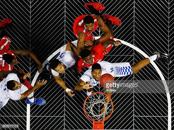 Marcus Lee of the Kentucky Wildcats shoots against the Ohio State Buckeyes during their game at the CBS Sports Classic at the Barclays Center on...