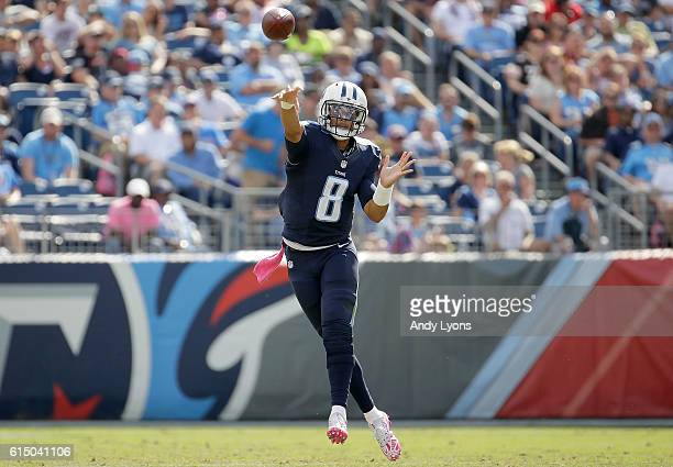 Marcus Mariota of the Tennessee Titans passes the ball during the third quarter of the game against the Cleveland Browns at Nissan Stadium on October...
