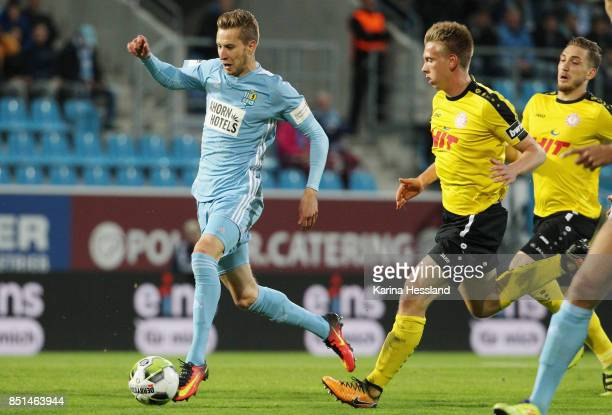 Marcus Mlynikowski of Chemnitz on the ball during the 3Liga match between Chemnitzer FC and SC Fortuna Koeln at Community4you Arena on September 20...