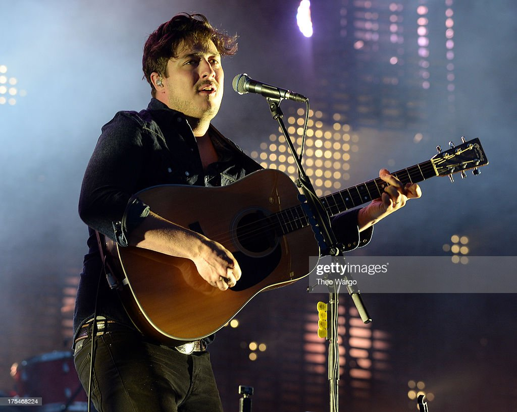 <a gi-track='captionPersonalityLinkClicked' href=/galleries/search?phrase=Marcus+Mumford&family=editorial&specificpeople=5385533 ng-click='$event.stopPropagation()'>Marcus Mumford</a> of Mumford & Sons performs during Lollapalooza 2013 at Grant Park on August 3, 2013 in Chicago, Illinois.