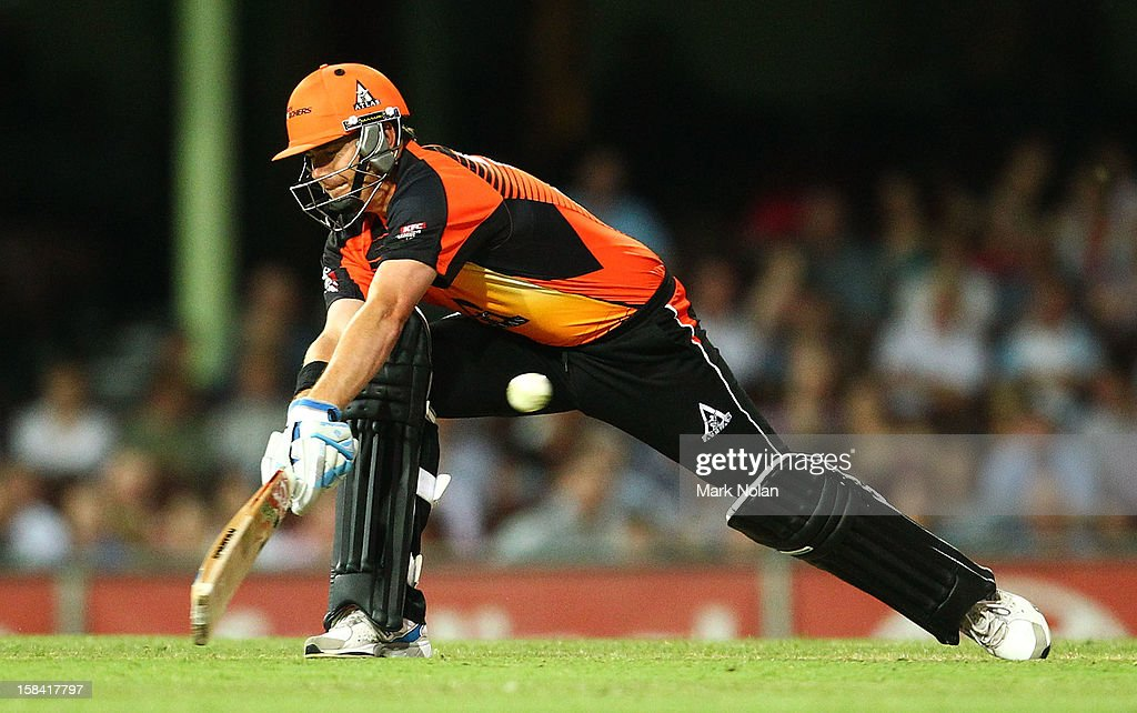 <a gi-track='captionPersonalityLinkClicked' href=/galleries/search?phrase=Marcus+North&family=editorial&specificpeople=167183 ng-click='$event.stopPropagation()'>Marcus North</a> of the Scorchers reverse sweeps during the Big Bash League match between the Sydney Sixers and the Perth Scorchers at SCG on December 16, 2012 in Sydney, Australia.