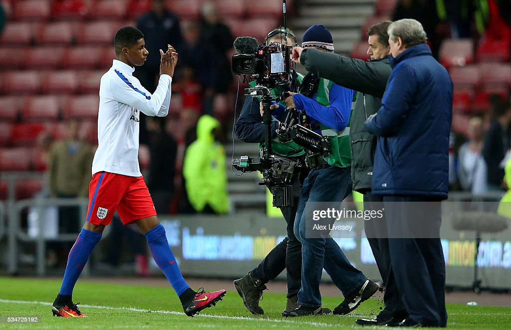 <a gi-track='captionPersonalityLinkClicked' href=/galleries/search?phrase=Marcus+Rashford&family=editorial&specificpeople=13847707 ng-click='$event.stopPropagation()'>Marcus Rashford</a> of England applauds fans following the International Friendly match between England and Australia at Stadium of Light on May 27, 2016 in Sunderland, England.