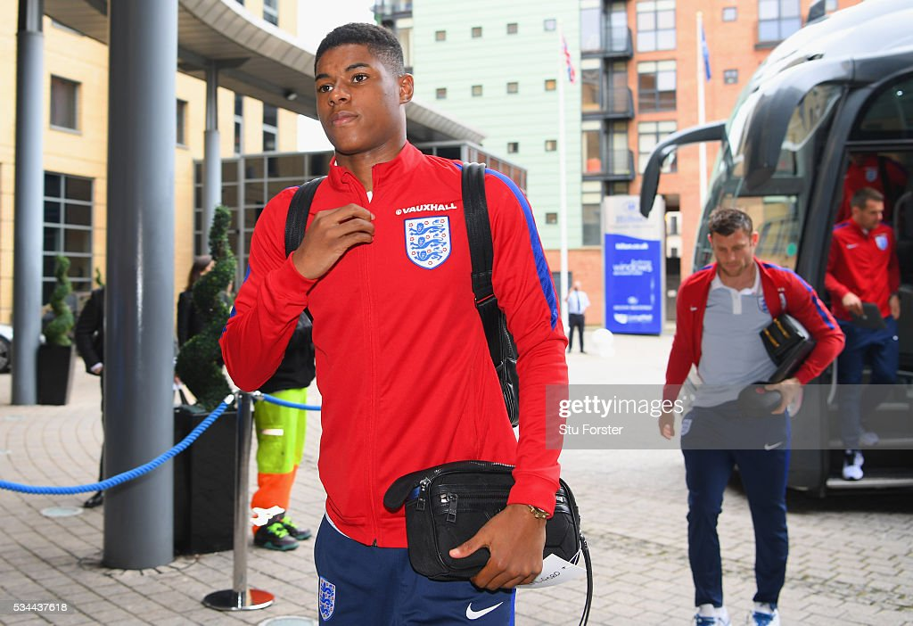 <a gi-track='captionPersonalityLinkClicked' href=/galleries/search?phrase=Marcus+Rashford&family=editorial&specificpeople=13847707 ng-click='$event.stopPropagation()'>Marcus Rashford</a> of England arrives at the team hotel on the eve of their international friendly against Australia at the Hilton Gateshead on May 26, 2016 in Newcastle upon Tyne, England.