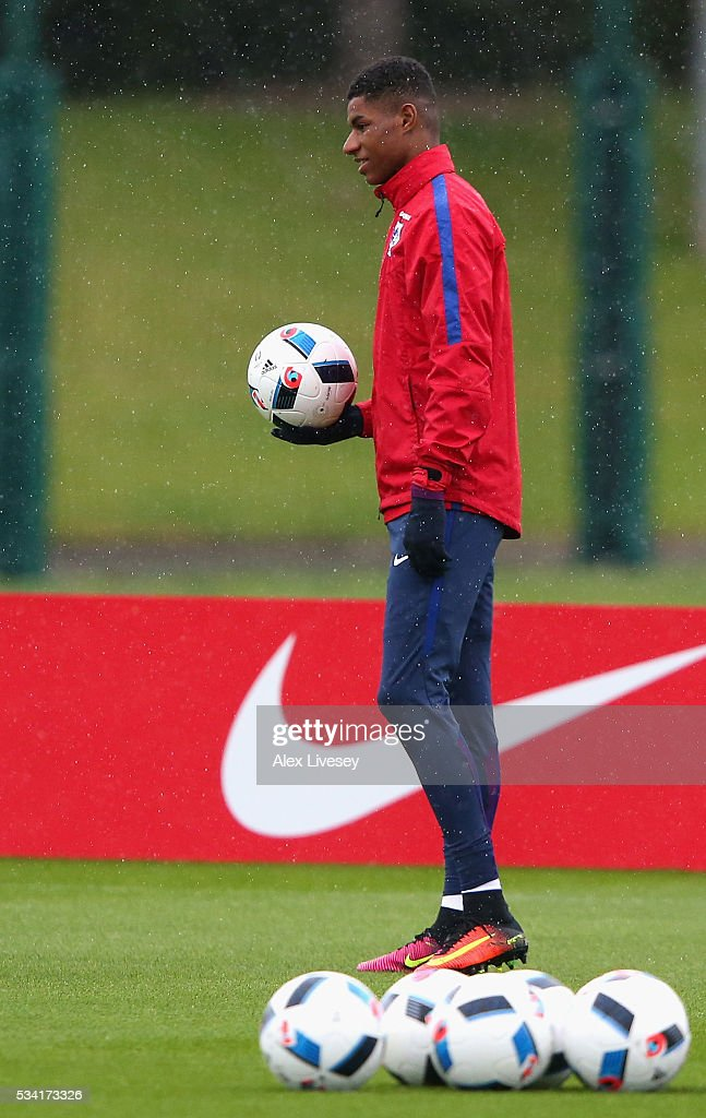 <a gi-track='captionPersonalityLinkClicked' href=/galleries/search?phrase=Marcus+Rashford&family=editorial&specificpeople=13847707 ng-click='$event.stopPropagation()'>Marcus Rashford</a> of England looks on during the England training session at Manchester City Football Academy on May 25, 2016 in Manchester, England.