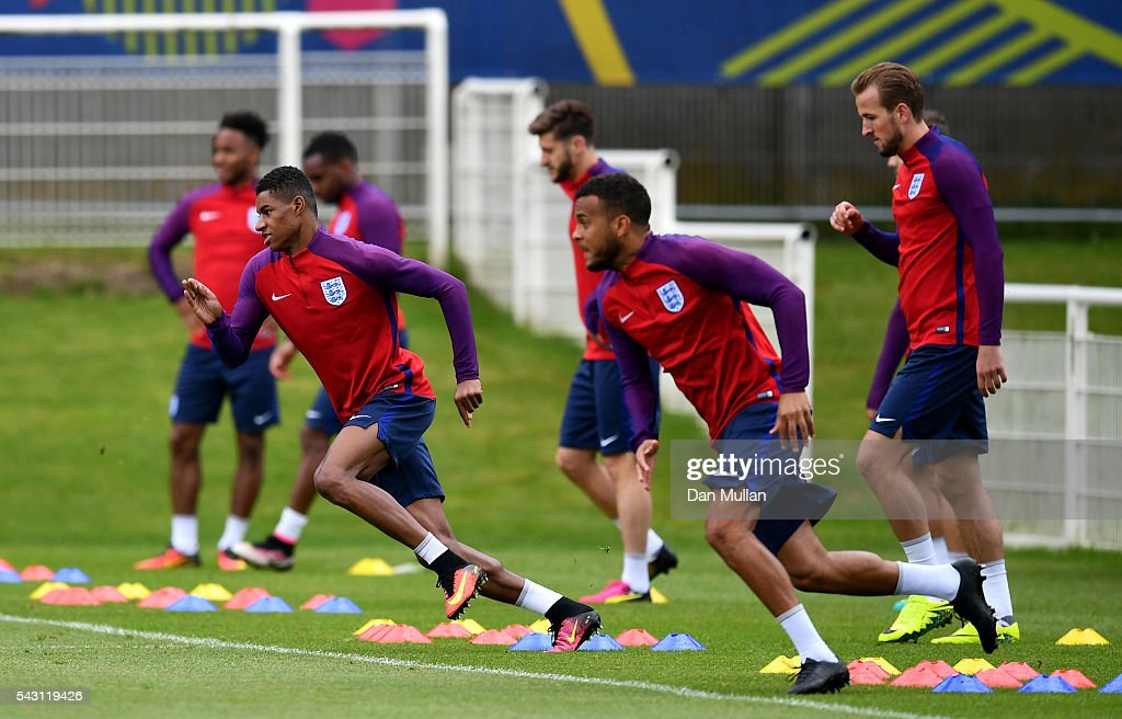 <a gi-track='captionPersonalityLinkClicked' href=/galleries/search?phrase=Marcus+Rashford&family=editorial&specificpeople=13847707 ng-click='$event.stopPropagation()'>Marcus Rashford</a> of England warms up during a training session ahead of the UEFA Euro 2016 match against Iceland at Stade du Bourgognes on June 26, 2016 in Chantilly, France.