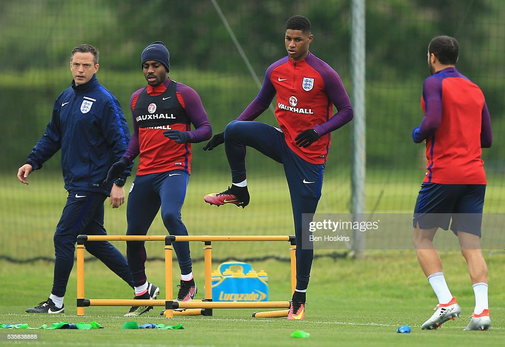 <a gi-track='captionPersonalityLinkClicked' href=/galleries/search?phrase=Marcus+Rashford&family=editorial&specificpeople=13847707 ng-click='$event.stopPropagation()'>Marcus Rashford</a> of England warms up during an England training session at St Georges Park on May 30, 2016 in Burton on Trent, England.