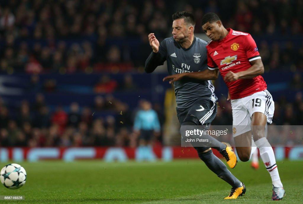 Manchester United v SL Benfica - UEFA Champions League