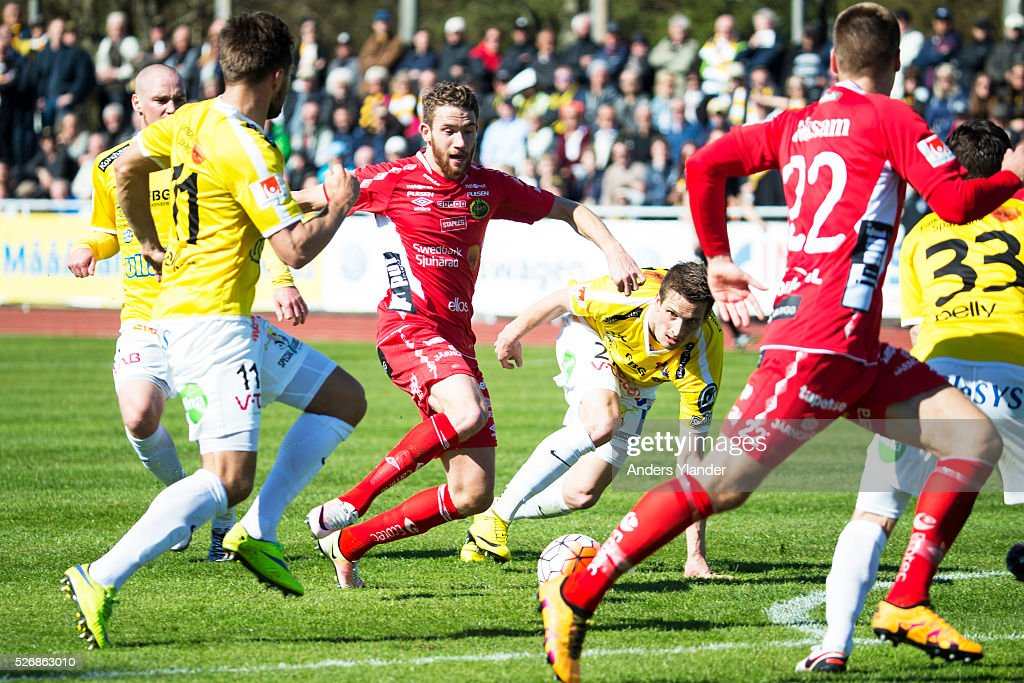 Marcus Rohden of IF Elfsborg controls the ball for the ball during the Allsvenskan match between Falkenbergs FF and IF Elfsborg at Falkenbergs IP on May 1, 2016 in Falkenberg, Sweden.