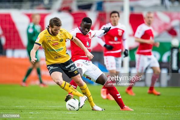Marcus Rohdén of Elfsborg and Papa Diouf of Kalmar FF competes for the ball during the allsvenskan match between Kalmar FF and Elfsborg at Guldfageln...
