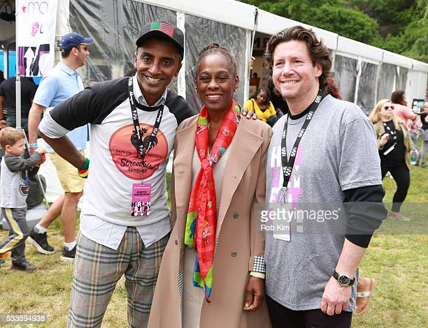 Marcus Samuelsson Chirlane I McCray and Herb Karlitz attend Harlem EatUp The Sunday Stroll on May 22 2016 in New York City