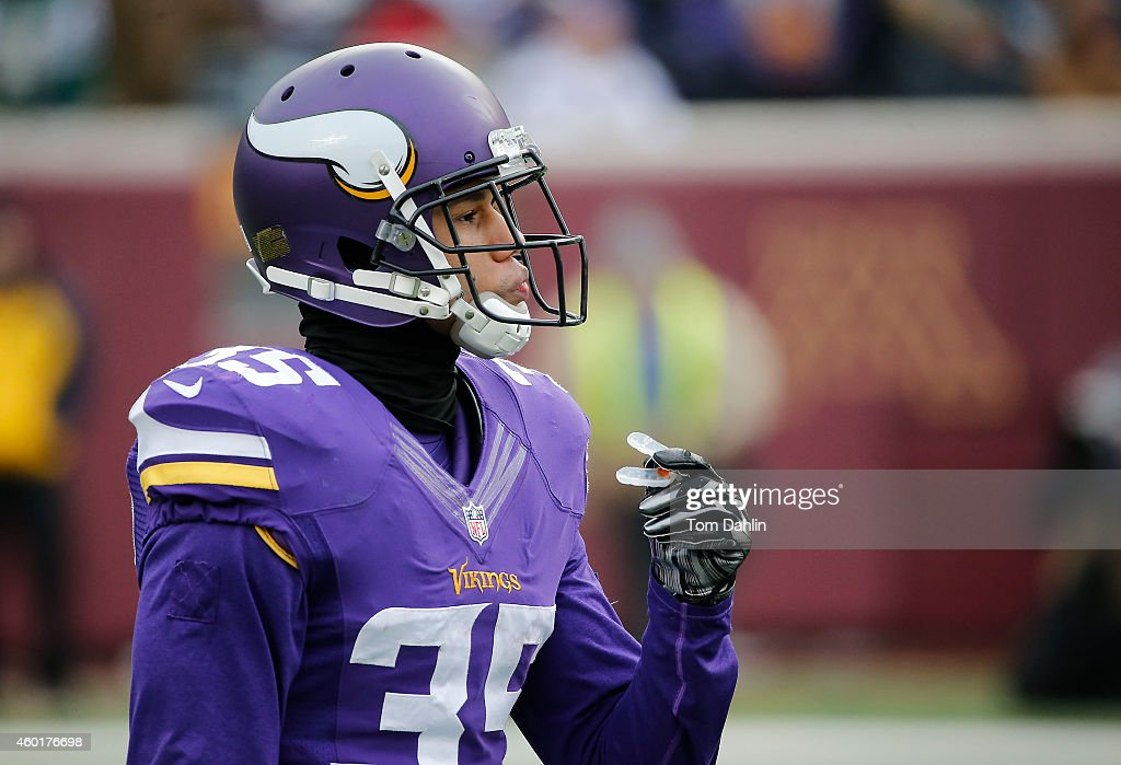 Marcus Sherels of the Minnesota Vikings awaits a kickoff during an NFL game against the New York Jets at TCF Stadium on December 7 2014 in...
