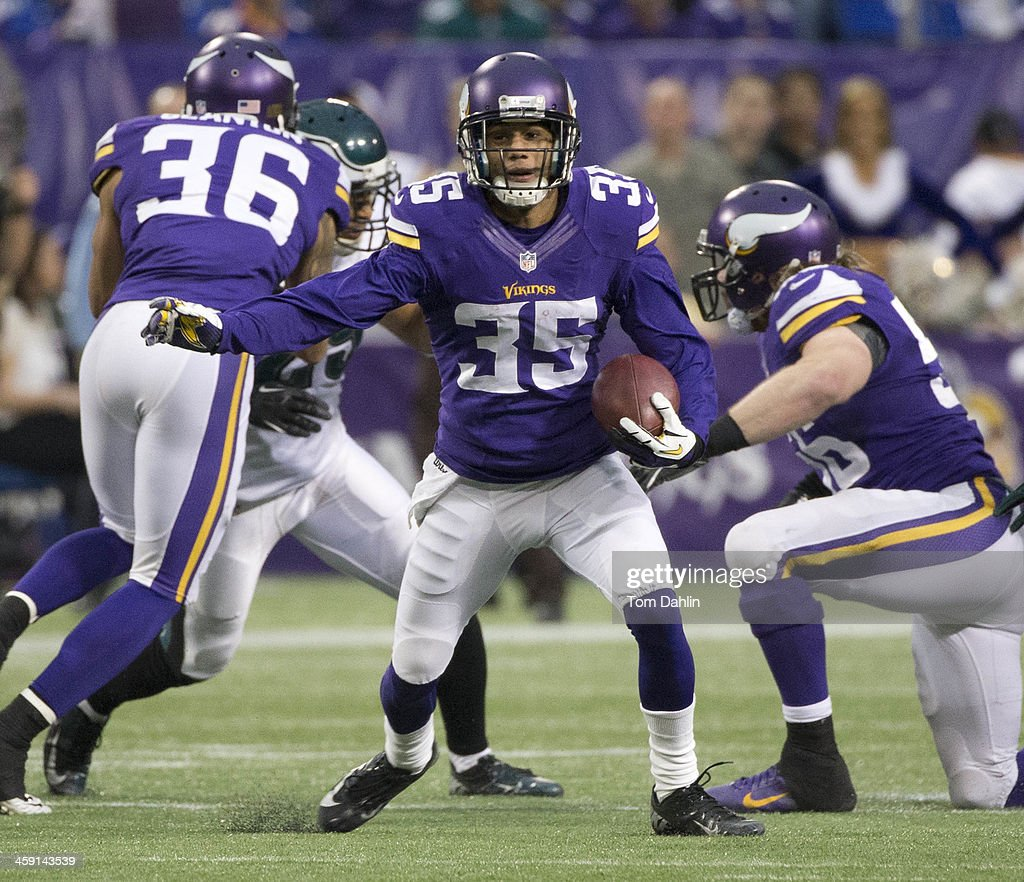 Marcus Sherels of the Minnesota Vikings carries the ball during an NFL game against the Philadelphia Eagles at Mall of America Field on December 15...
