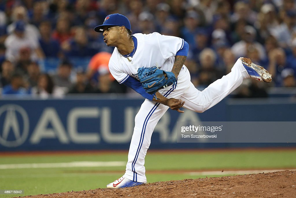 Marcus Stroman #6 of the Toronto Blue Jays delivers a pitch in the seventh inning during MLB game action against the New York Yankees on September 23, 2015 at Rogers Centre in Toronto, Ontario, Canada.