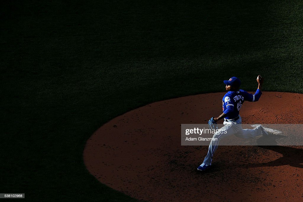 <a gi-track='captionPersonalityLinkClicked' href=/galleries/search?phrase=Marcus+Stroman&family=editorial&specificpeople=7916987 ng-click='$event.stopPropagation()'>Marcus Stroman</a> #6 of the Toronto Blue Jays delivers in the fifth inning during the game against the Boston Red Sox at Fenway Park on June 4, 2016 in Boston, Massachusetts.