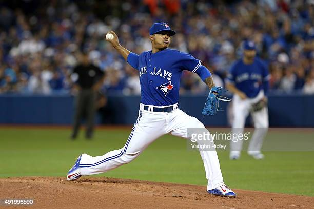 Marcus Stroman of the Toronto Blue Jays pitches in the first inning against the Texas Rangers during game two of the American League Division Series...