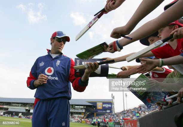 Marcus Trescothick of England signs autographs during Sri Lanka's innings of the 5th NatWest Series One Day International between England and Sri...